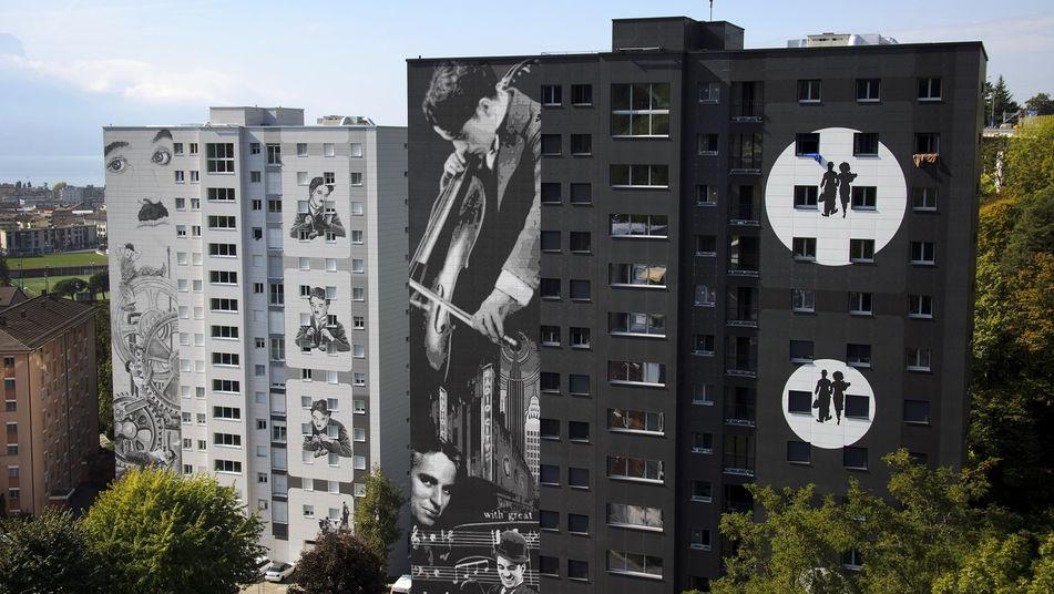 Murales-gigantes-escenas-peliculas-Chaplin_TINIMA20111008_0478_18